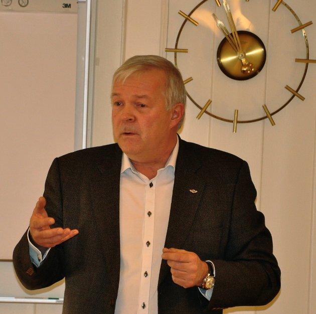 Kongsbergregionen  med møte på Brattrein om ny base for luftambulansen i Telemark med blant annet Per Christian Voss.