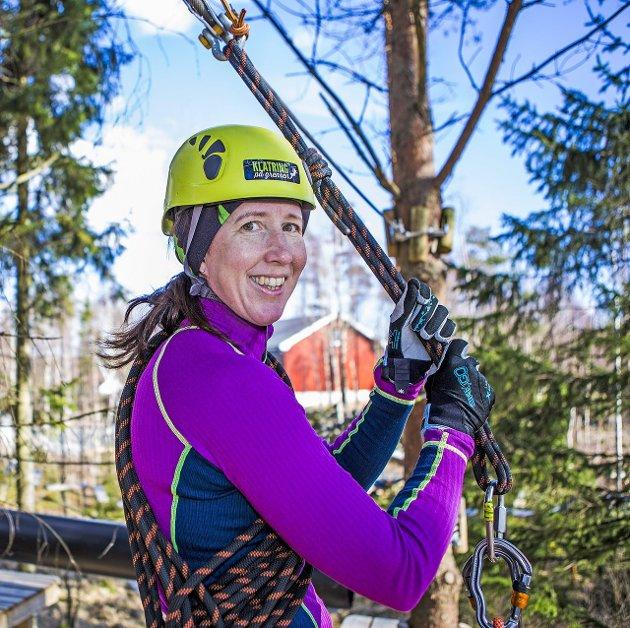 KLATRESJEF: Randi Brevig Aune er stadig oppe i trærne.