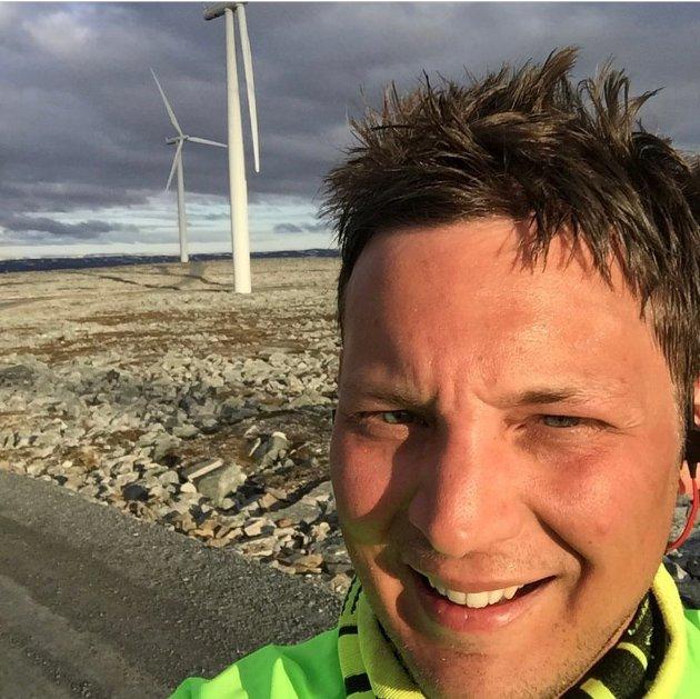 - Fornybar energi fra Lebesby redder ikke verden, men vi må tenke globalt og handle lokalt, skriver Sigurd Kvammen Rafaelsen.