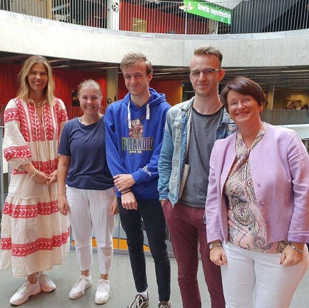 Ledere og elever ved skoler i Vestfold og Telemark har mange gode samtaler om valg av videre utdanning i disse dager