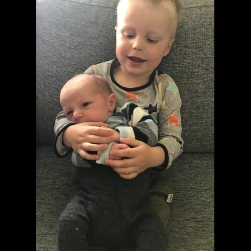 Eirunn og Rune Ingebrigtsvold fikk barn 04.august: Lillebror kom til verden den 4. August Stor takk til jordmor Janne og de gode damene på føden Tynset.