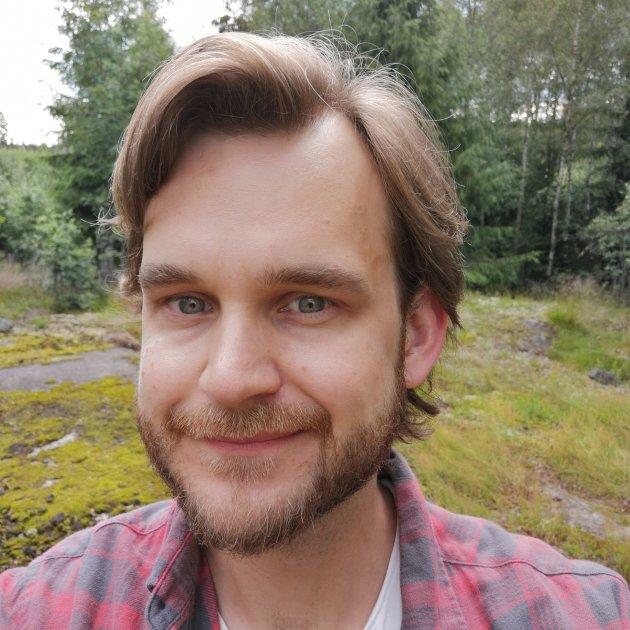 VIL SENKE ALDERSGRENSEN FOR VALGDELTAKELSE: Morten Anker (Rødt)