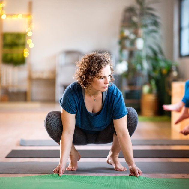 Yogalærer og gründer ,Silje Molvær, er på ingen måte enig i at yoga ikke hører hjemme på barne- og ungdomsskolen. Bilde er fra en tidligere anledning.