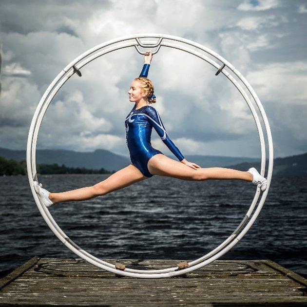 Solveig Sæthre (15) fra Gran fikk 50.000 kroner i stipend. Hun er et talent i turn / gymnastikkhjul.