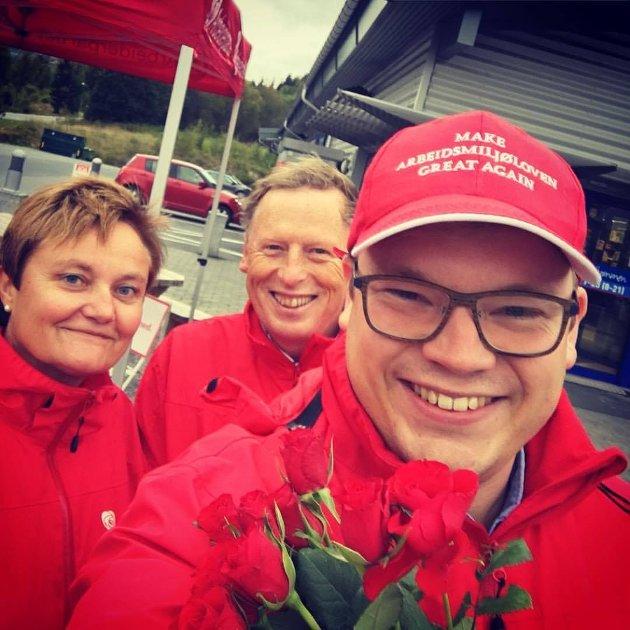 Make Arbeidsmiljøloven Great Again. Even A. Hagen på stand med Rigmor Aasrud og Terje Vestby.