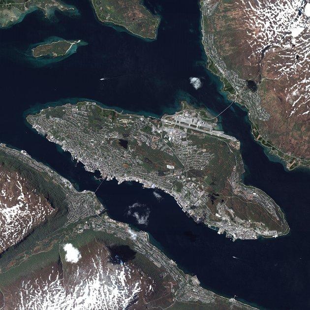 KSAT er en verdensledende leverandør av bakkestasjonstjenester for polarbane satellitter. Med antenner over hele verden og hovedkontor i Tromsø er KSAT verdens største i sitt slag. De velkjente antennene ved Prestvannet brukes til å hente ned data fra satellittene når de flyr over Tromsø.
