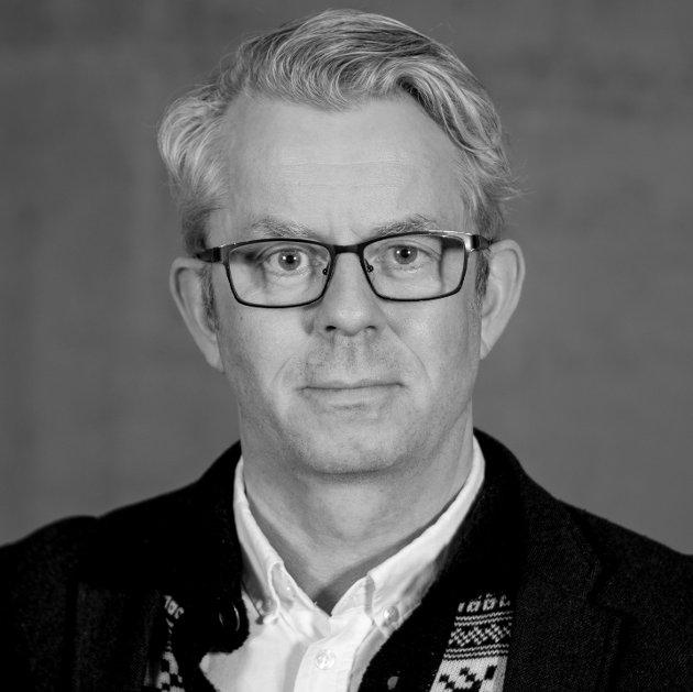 Knut Nærum.