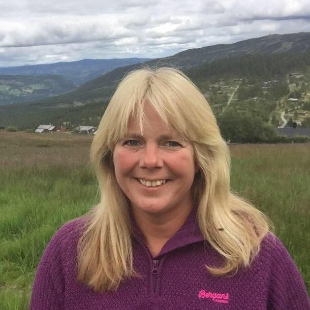 Siw-Anita K. Tragethon er med i organisasjonen LEVE, Landsforeningen for etterlatte etter selvmord.