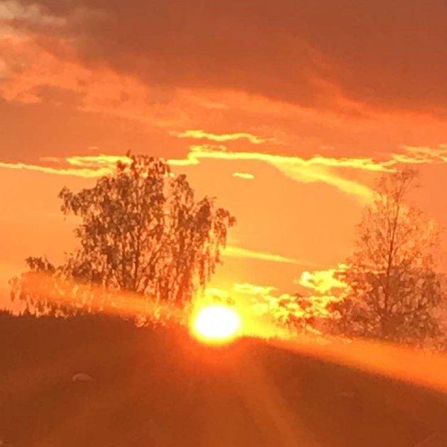 @egilskone Vakker himmel ? #vakkerhimmel #vakkert #himmelen #himmelenbrenner #juli2019 #sommeren2019 #saverden #gmn ?