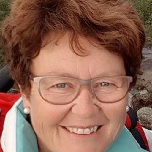 Anne Synnøve Hovland 4.kandidat for Færder Senterparti og listekandidat Liv Randi Alu Andersen