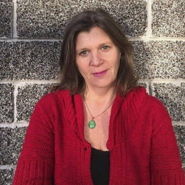 """TØFT: """"For noen av de som tar kontakt med oss nå, er stengningen av Norge uutholdelig. Hverdagen kjennes fullstendig uten håp,"""" skriver Anne Line Diesen."""