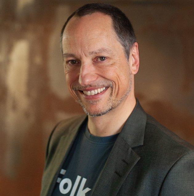 Rolf G Zimmermann mener at Bjørnar Skjæran (Ap) bør insistere på at loven er lik for ale og at han derfor blir bøtelag slik som andre er blitt.