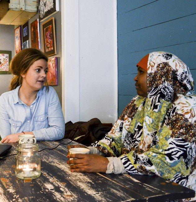 Café vintage: Lykke til videre, skriver Camilla Bilstad Johannessen (t.v.). Arkivfoto: Eivor Jerpåsen