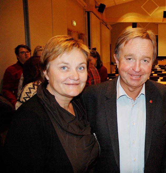 REDUSERT: Stortingsrepresentantene Rigmor Aasrud og Tore Hagebakken må se på at partiet svekkes ytterligere i den siste målingen fra Markedsinfo. Partiet er opptatt av å bedre kommunikasjonen. Men hva med politikken?