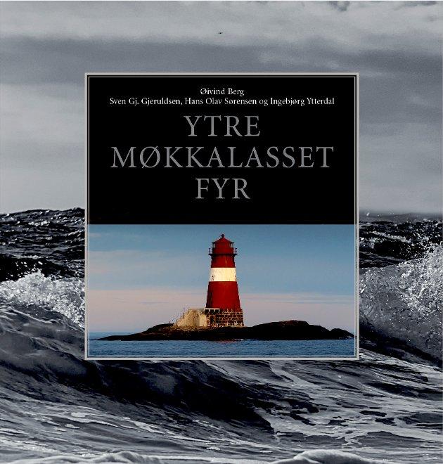 Boka om Møkkalasset fyr er nå ute i ny og utvidet utgave.