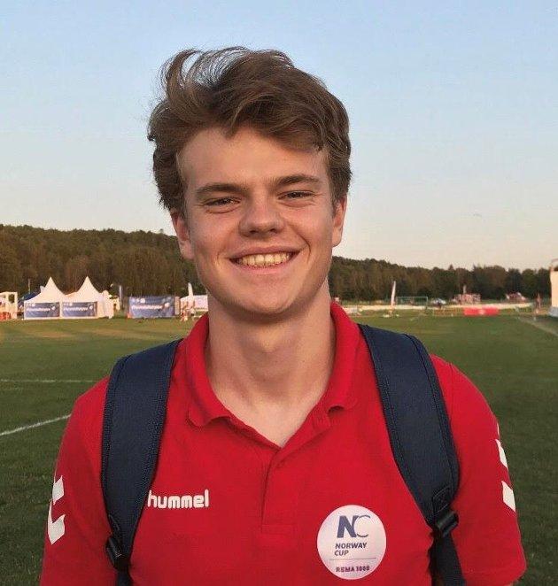 Asgeir Kråkenes på dugnad for BSK under Norway Cup i år. Han heier på vern av Ekebergsletta og bedre fritidstilbud for barn og unge i Nordstrand bydel.