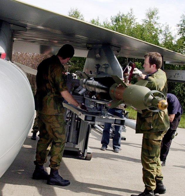 Investeringer: – Med FrP i regjering har vi styrket bevilgningene til Forsvaret og vi bygger opp et forsvar med moderne kapasiteter og økt kampkraft, skriver Ulf Leirstein.