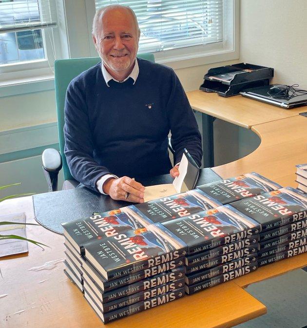 SKJER HER: Forfatter Jan Westbye har lagt handlingen til Tønsberg i boka «Remis».