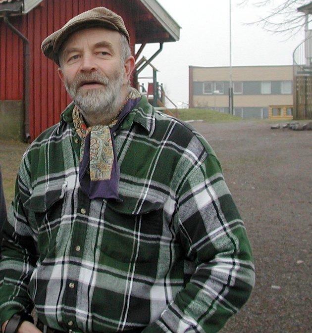 Hans Nordby takker Ståle Pinslie.