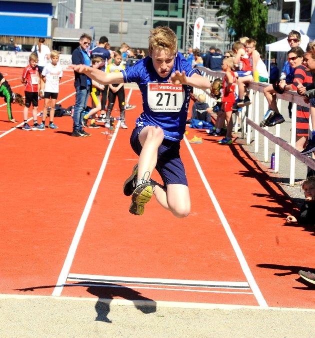 11-åringen Florian van Buggenhout-Mogensen fra Lillehammer IF hoppet 3,67 i lengde.