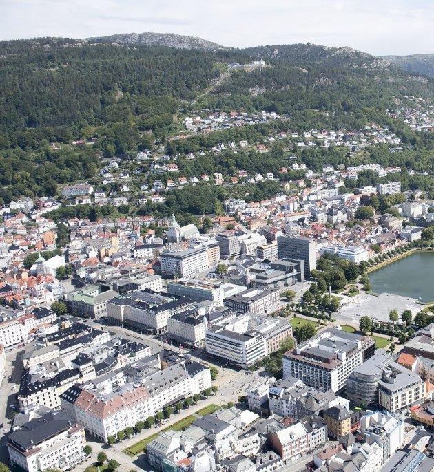 Det kan gå 20 år før folketallet i Bergen når 300.000, og det er ingen selvfølge at grensen noen gang blir passert, skriver Hans Martin Moxnes. Foto: Arne Ristesund