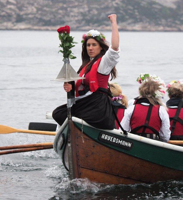 """Fra """"VI ror for livet"""" Da kvinner fra Smøla Rodde over til Kristiansund"""