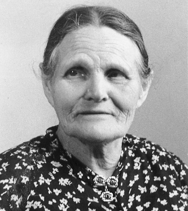 Det går en rød tråd fra Gitta Jønssons kamp til vår. Når vi nå retter blikket fremover, bør vi ha forbildene fra historien med oss. Det ble sagt at «ingen naturmakt kunne stoppe ho Gitta». Hun trosset alle og banet fryktløst vei for arbeiderbevegelsen. Det er noe vi bør lære av, skriver Marta Hofsøy.