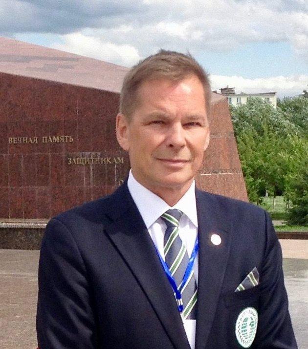 ...Dan-Viggo Bergtun er President i The World Veterans Federation, som knytter sammen over 60 millioner veteraner fra 142 land i arbeid for fred og velbefinnende for veteraner som har vært involvert i kriger og konflikter.