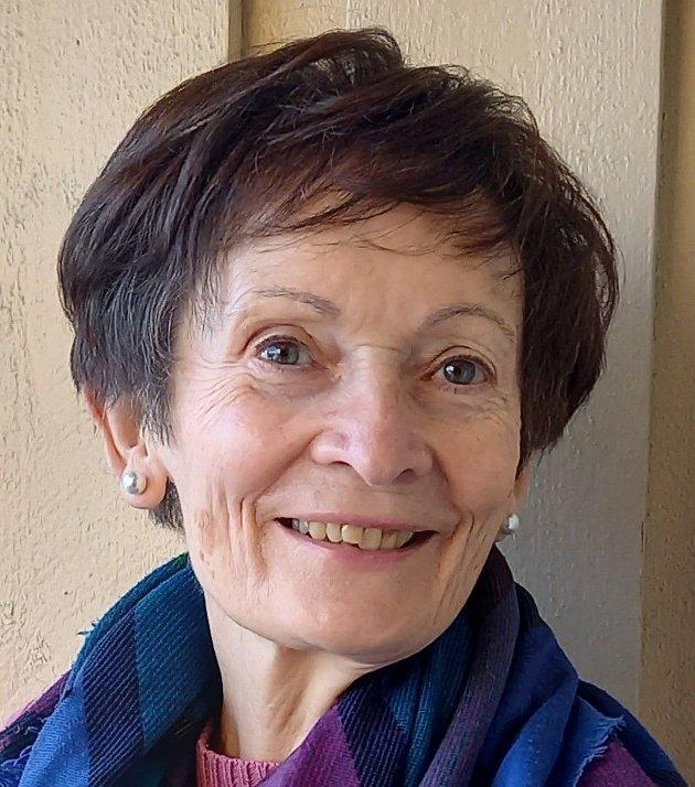 FUNGERER IKKE: Renate Olberg påpeker at det problematiske med Markus Tønseths uniformsbilde er at leserne trenger tilleggsopplysninger for å forstå konteksten.