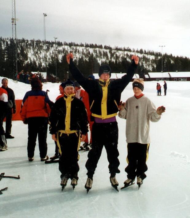 Skøytegruppe: Hans Christian Wastvedt, Lars Magnus Uttisrud, Eivind Igland i 2000.