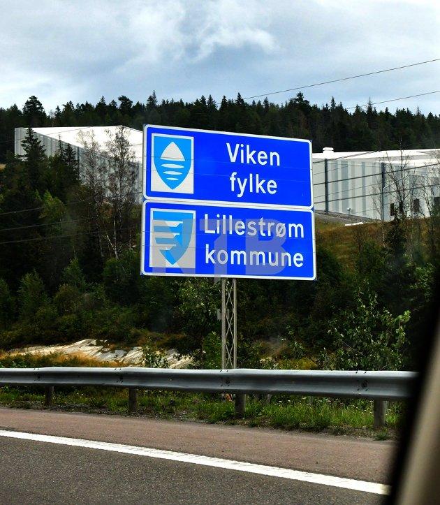 VIL OPPLØSE: Brita Skallerud, gruppeleder og Dagfinn Sundsbø, fylkestingsmedlem for Sp i Viken vil oppløse Viken fylkeskommune.