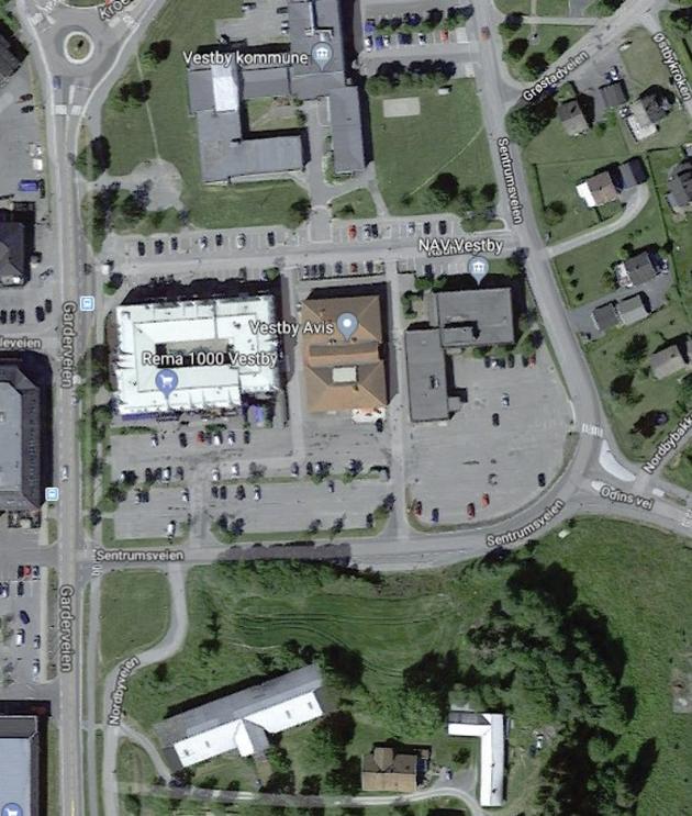 RIVES: Bygget mellom Rema 1000 og NAV, hvor blant annet biblioteket og Vestby Avis holder til, skal rives og erstattes med Kulturkvartalet som blir en atskillig større bygning.