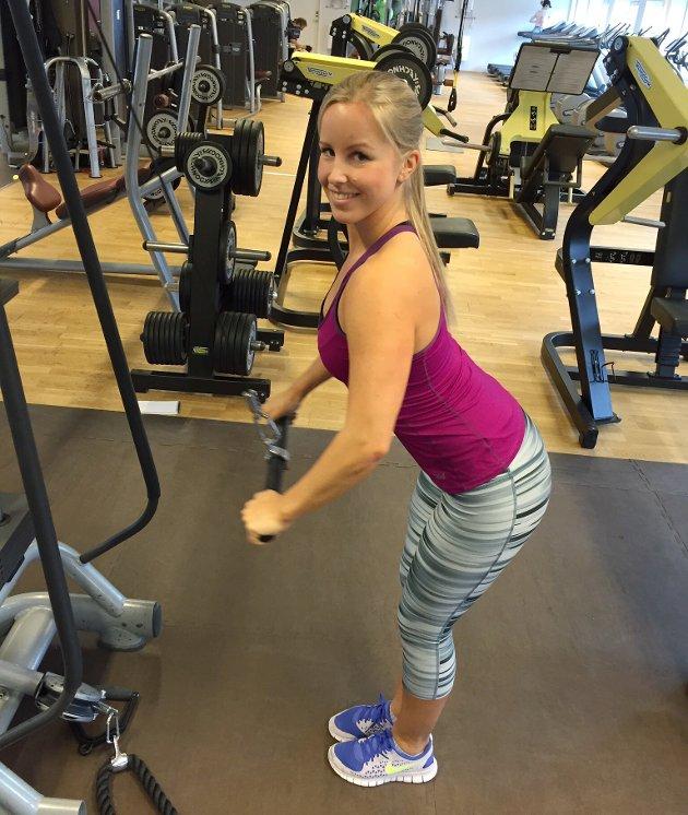 Pulldown, en øvelse for å styrke ryggen.