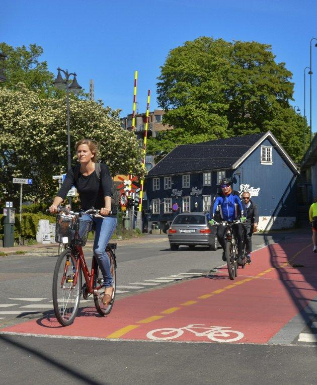 Trenger vi egentlig sykkelvei langs innfarten? Kan vi ikke bare klare oss med litt maling, som i Fjordveien?