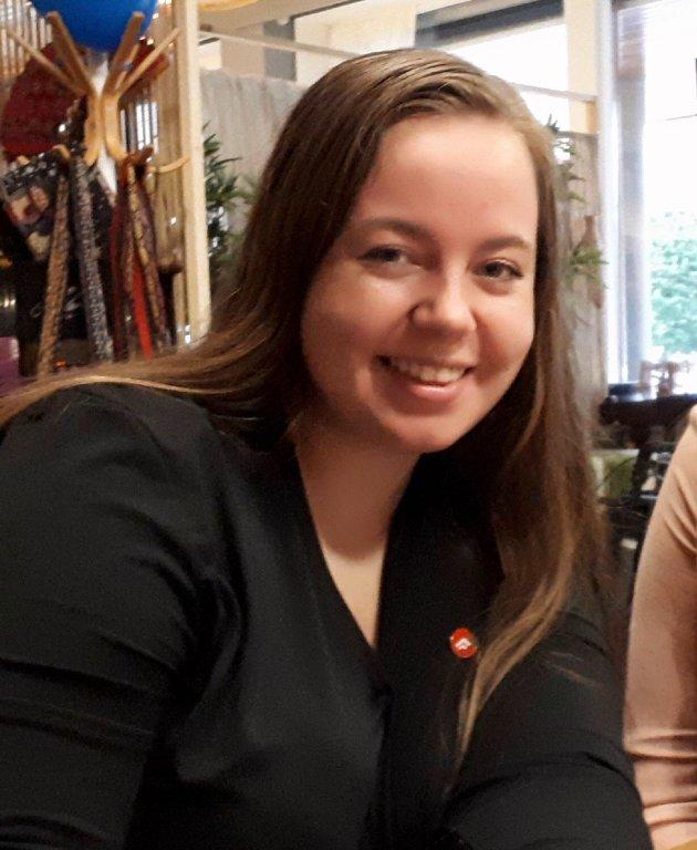 SKATTEFRITT: – De ungdommene som står opp om morgenen, sparer for å kjøpe egen bolig eller bil og klarer seg selv, skal belønnes, skriver Jenny Bergheim, formann i Sarpsborg FpU.