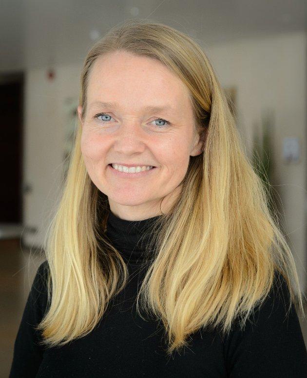 Mary Jo Sansholm holder foredrag rundt temaet vold og seksuelle overgrep mot barn og ungdom på Kunsten å leve i Hønefoss kirke. Hun har mange års erfaring og utdannelse om temaet og er en skattet foredragsholder. Alle velkomne. Gratis.