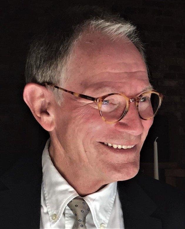 KRASS: To velkjente utbyggertriks for å lure politikere er å fremstille det som skal rives som noe verdiløst og å sukre pillen ved å love gull og grønne skoger, skriver tidligere kommunaldirektør Nils-Jacob Lugg.