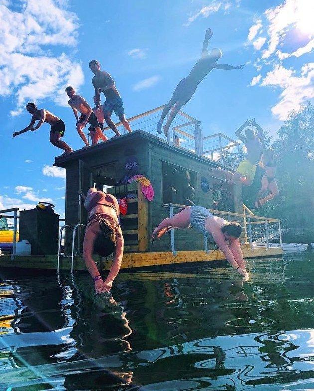 Kokvarme badstuer og forfriskende bad har blitt en svært populær aktivitet. badstuene har de siste årene poppet opp over hele landet. Her et bilde fra Kok Oslo.