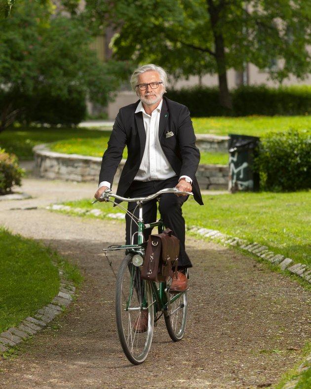 Jon Gunnes (V) er nestleder i transport- og kommunikasjonskomiteen på Stortinget og besøker Lofoten på torsdag.