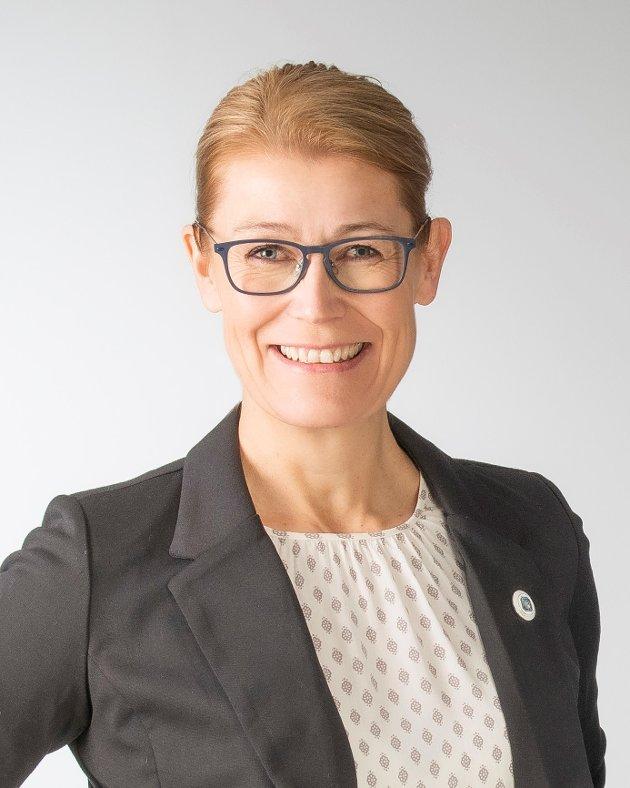Takten på vaksinering av helsepersonell må økes, mener fylkesleder i Norsk Sykepleierforbund Møre og Romsdal, Trine B. Sevaldsen.