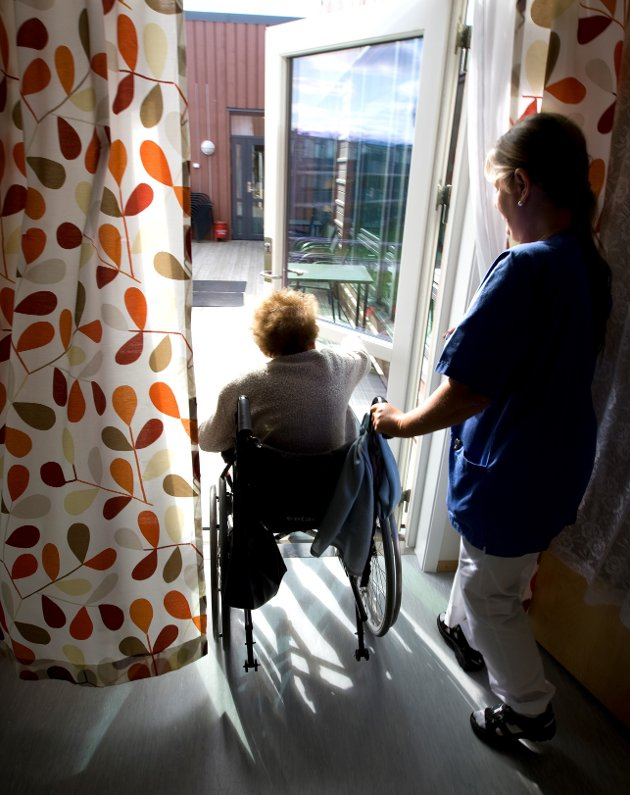 Hjemmehjelpere gjør en kjempeviktig jobb, skriver Fagforbundet – som gratulerer med dagen i dag!