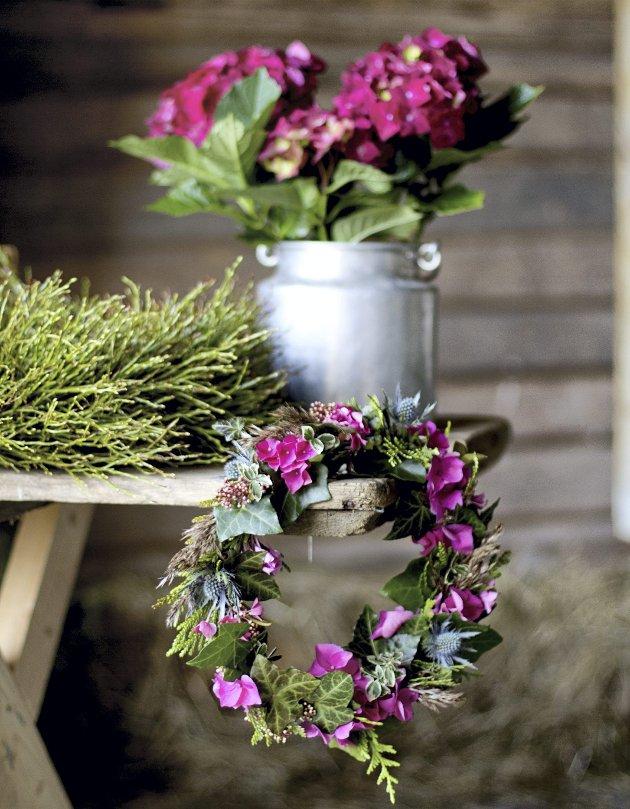 Fargerik høst:  Hortensia-krans.