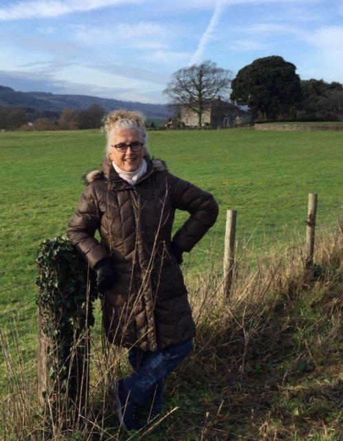 FORBILDE: Daphne Belt (79) - sprekere enn de fleste. Kan hun, kan du?