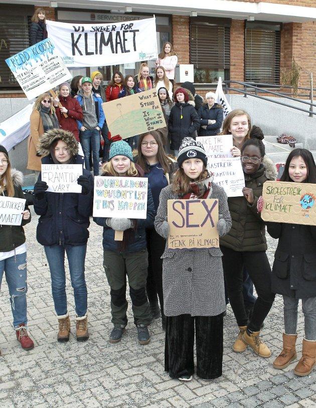 Streiket for kloden: Ungdommer i Kongsvinger var med på klimastreiken.