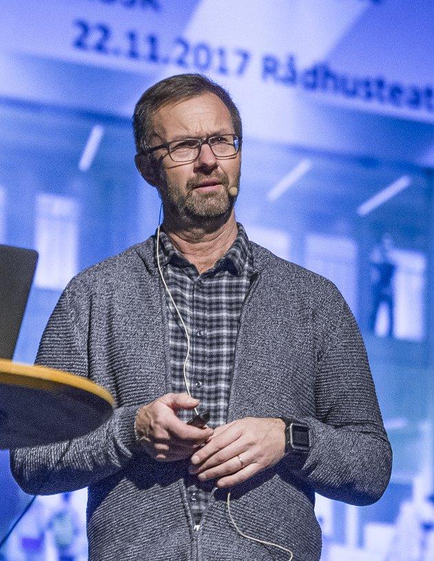Mageplask: KUSK-rektor Jørgen Bo Gundersen.