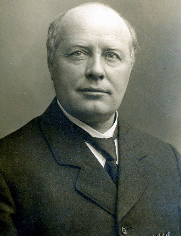 JUBILEUM: Rasmus Stauri, grunnlegger av Gudbrandsdal folkehøgskole,ble født for 150 år siden. Skolen ble drevet fram til skolen brant i 1987, 85 år etter at skolen startet.