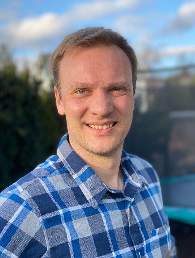 Bård Ludvig Thorheim mener Senterpartiet har lagt seg for nært Sosialistisk Venstreparti