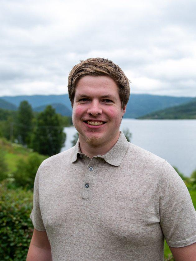 .Nesten ingen politikarar hadde tid til å stoppa opp og lytta til kva folket ville, skriv Hans Christian Andersen Knudsen (SV) om fylkessamanslåinga på Vestlandet.
