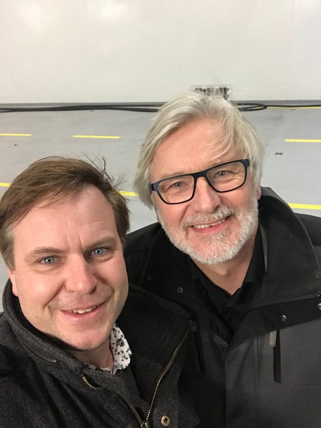Alfred Bjørlo og Jon Gunnes (bildet) og Atle Hamar alle frå partiet Venste meiner at gul midtstripe må prioriterast.