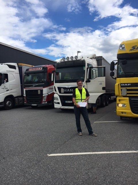 Yrkestrafikkforbundet oppfordrer stortingsflertallet til å finne en diettløsning for langtransportsjåførene.